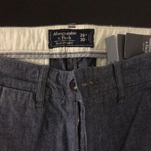 Abercrombie & Fitch Slim Straight Chino